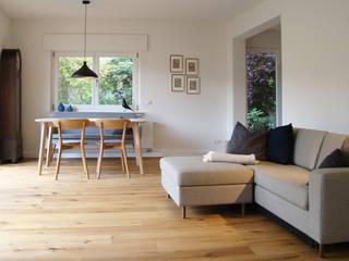 Ferienwohnung in der Eifel stanke interiordesign Moderne Wohnzimmer