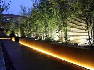 Colonial style garden by CapitaL Arquitectura y Diseño Colonial