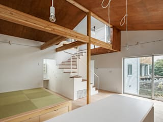 Modern living room by 株式会社小島真知建築設計事務所 / Masatomo Kojima Architects Modern