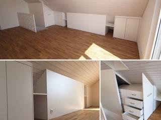 Umbau einer Dachwohnung Ottagono+Rechsteiner Interior AG Moderne Schlafzimmer Weiß