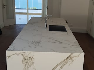 minimalist  by Decodan - Estudio de cocinas y armarios en Estepona y Marbella, Minimalist