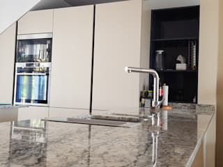 modern  by Decodan - Estudio de cocinas y armarios en Estepona y Marbella, Modern