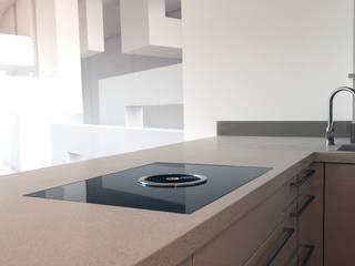 Terrazzoarbeitsplatte Aggregata: modern  von material raum form,Modern