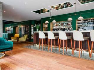 Hotéis mediterrâneos por SMEELE Ontwerpt & Realiseert Mediterrâneo