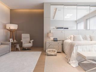 Residencia Ampla Quartos modernos por Élcio Bianchini Projetos Moderno