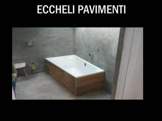 Eccheli Pavimenti e Rivestimenti Baños de estilo clásico Azulejos Acabado en madera