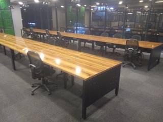 Business centre office furniture: modern  by Innodesk Modular,Modern