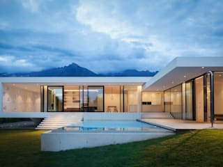 monovolume architecture + design Single family home Reinforced concrete White
