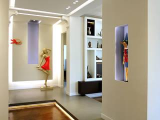 Via Massena Ingresso, Corridoio & Scale in stile eclettico di Onice Architetti Eclettico