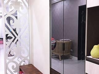 業傑室內設計 Classic style corridor, hallway and stairs Iron/Steel Grey