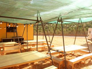 NOMAD BASE CAMP Jardins indutriais por Colectivo Warehouse Industrial