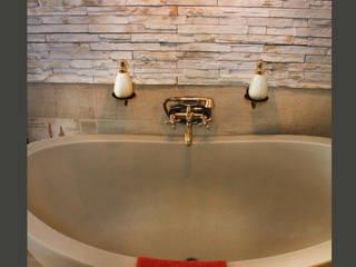 Bathroom Design_ Classic & Romantic Classic style bathroom by ilisi Interior Architectural Design Classic