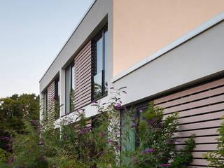 Hoteles de estilo moderno de herbertarchitekten Partnerschaft mbB Moderno