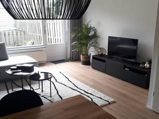 Eengezinswoning Zegveld Moderne woonkamers van Dees interieur Modern