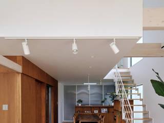 HOUSE-ISU 島田博一建築設計室 モダンデザインの リビング