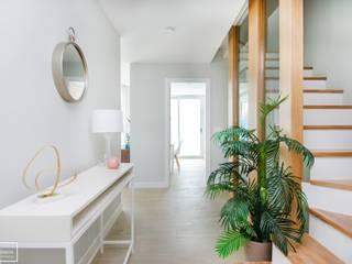 Theunissen Staging y Decoración SL Corridor, hallway & stairsAccessories & decoration