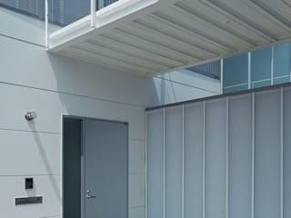 HOUSE-HHS 島田博一建築設計室 モダンスタイルの 玄関&廊下&階段