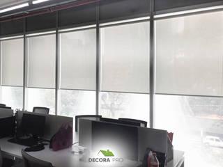 Instalación de Persianas en Oficina Decora Pro Puertas y ventanasPersianas y estores Textil Blanco