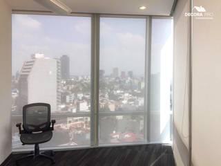 Instalación de Persianas en Oficina Decora Pro Puertas y ventanasPersianas y estores Textil Gris