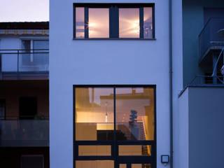 Casas minimalistas por Architektur Andrea Rehm Minimalista