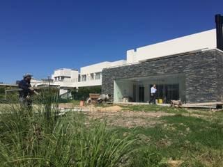 Nuevo Quilmes 2F04 de Bauwerk Arquitectura y Construccion Minimalista