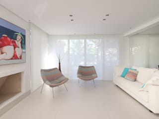 RAWI Arquitetura + Design Modern living room Ceramic White