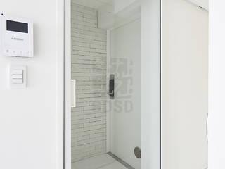주식회사 착한공간연구소 Minimalist corridor, hallway & stairs White