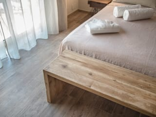Panche in legno vecchio di recupero | Con design a matrioska di Inventoom Rustico