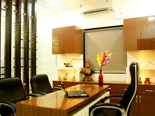 Interior Design of ShivSena Janasamparka Office Modern offices & stores by Neha Dharkar Modern