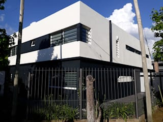 Restyling de Vivienda de Mc Govern estudio de arquitectura Moderno