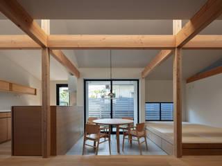 空間のつながりを活かした住宅 モダンデザインの ダイニング の 久木原工務店 モダン
