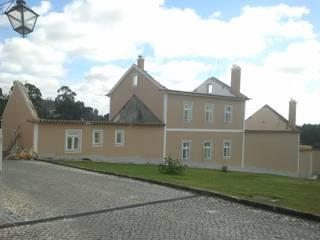 Renovação | Construção Quinta Casas clássicas por Poliune Clássico