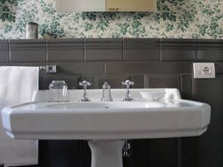 l'ambiente bagno di ATTICA Bagno in stile classico di ATTICA sas Classico
