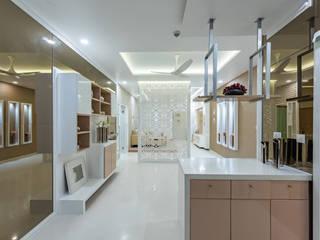 De Panache Salones de estilo moderno Tablero DM Blanco