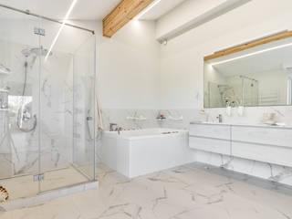 ДОМ 1200М2 КП РЕНЕССАНС ПАРК Ванная комната в стиле минимализм от МосАрх.рф Минимализм