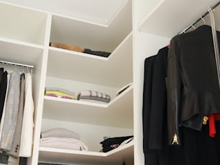 Minimalist style dressing rooms by Hammer & Margrander Interior GmbH Minimalist