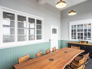 Salas de jantar industriais por raumdeuter GbR Industrial