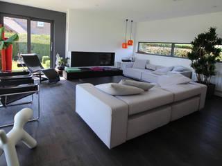 maison individuelle Fleurbaix Salon moderne par SARL NICOLA BERTINI ARCHITECTE Moderne