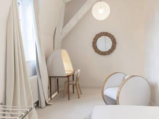 Chambre d'hôtes Chambre moderne par SARL NICOLA BERTINI ARCHITECTE Moderne