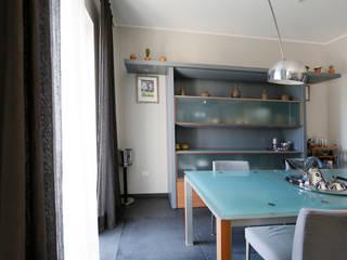 Ristrutturazione edilizia e riqualificazione energetica Sala da pranzo moderna di Carmine Mergiotti, Architetto Moderno