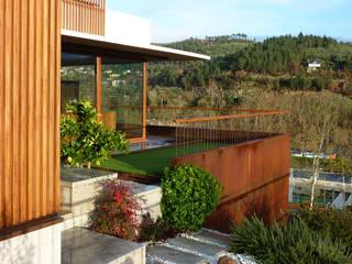 Viviendas pareadas en Ourense. Galicia. de Pablo Falcón arquitecto Moderno