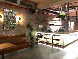 Paredes y pisos modernos de Doğaltaş Atölyesi Moderno