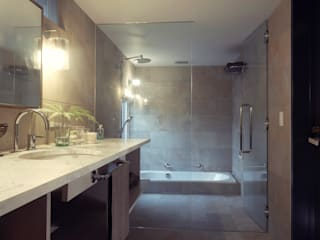 Rustic style bathroom by Mimasis Design/ミメイシス デザイン Rustic