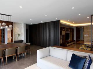 モダンスタイルの 玄関&廊下&階段 の ARCO Arquitectura Contemporánea モダン