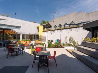 Modern style balcony, porch & terrace by ARCO Arquitectura Contemporánea Modern
