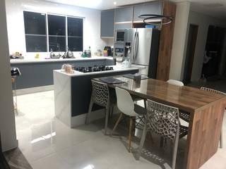 Ilha de cozinha - Mármore Calacata por Concept Mármores e Granitos Moderno