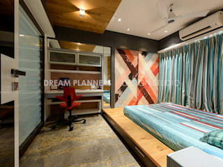 Residential Interior Mumbai: rustic  by Dreamplanners,Rustic