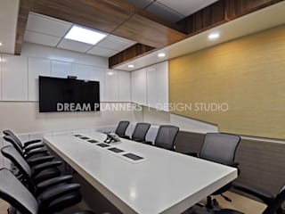 Commercial Interior Work by Dreamplanners Modern