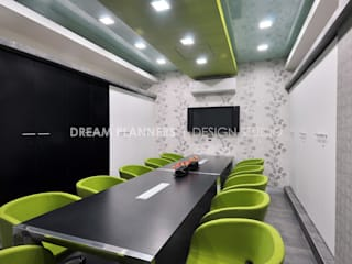Commercial interior by Dreamplanners Modern