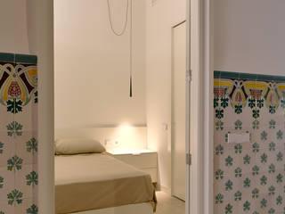 VIVIENDA PM SMB ARQUITECTURA Dormitorios de estilo moderno